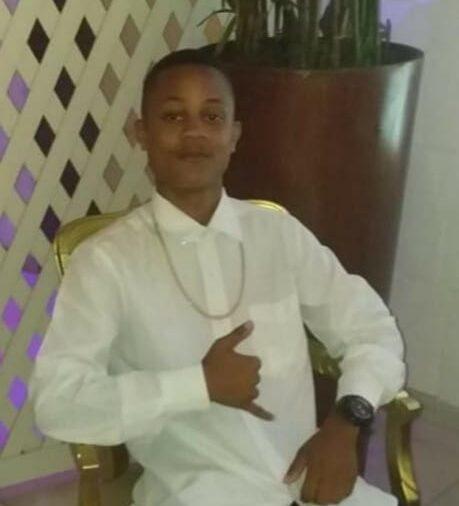 Jovem de 16 anos morre após ser baleado dentro de casa durante operação policial na Penha