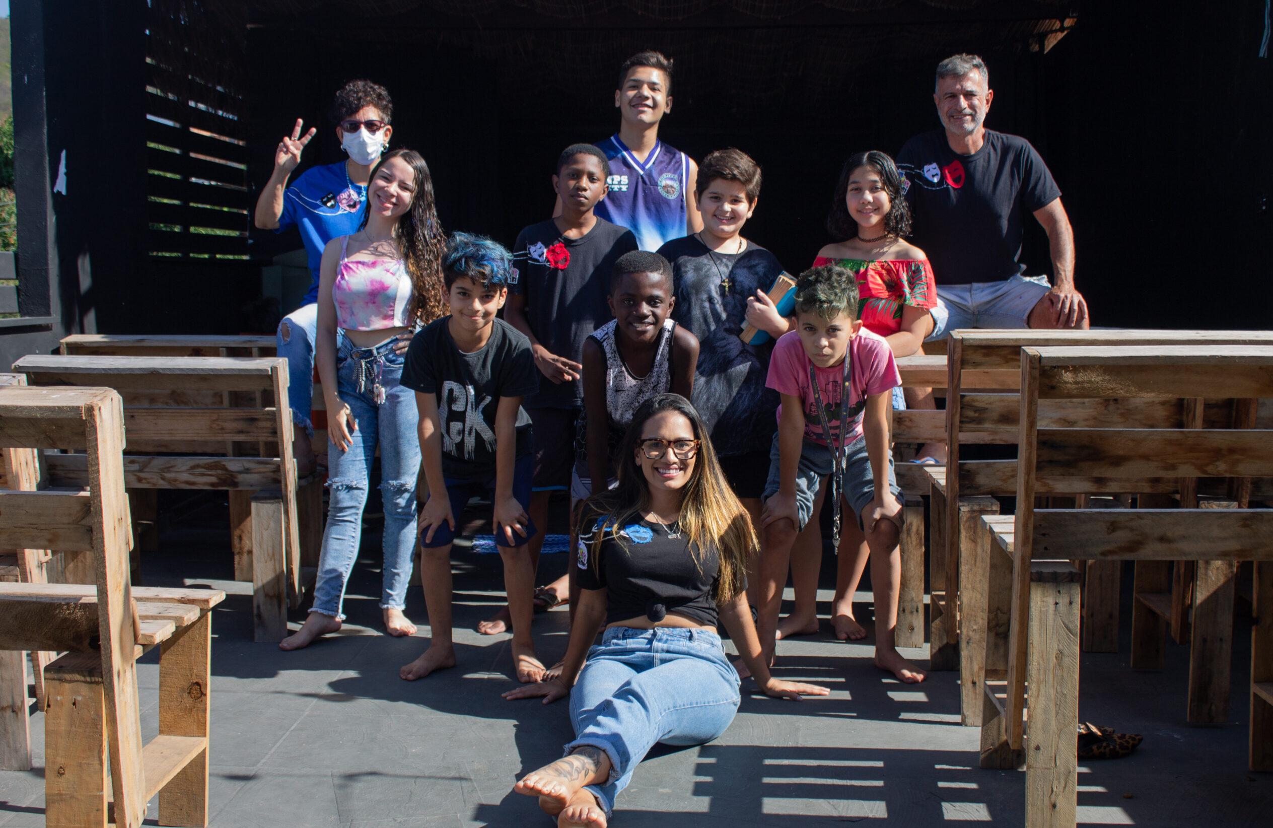 Grupo de teatro promove atividades culturais na Penha