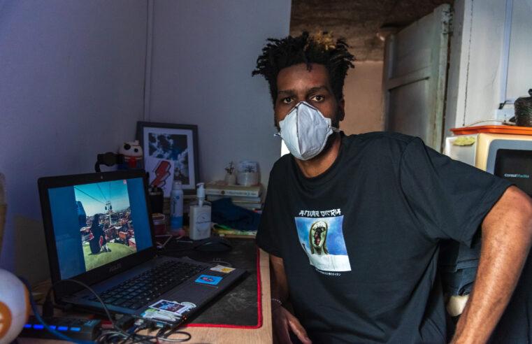 Página criada por morador do Morro do Fallet une animes japoneses com cenários de favelas