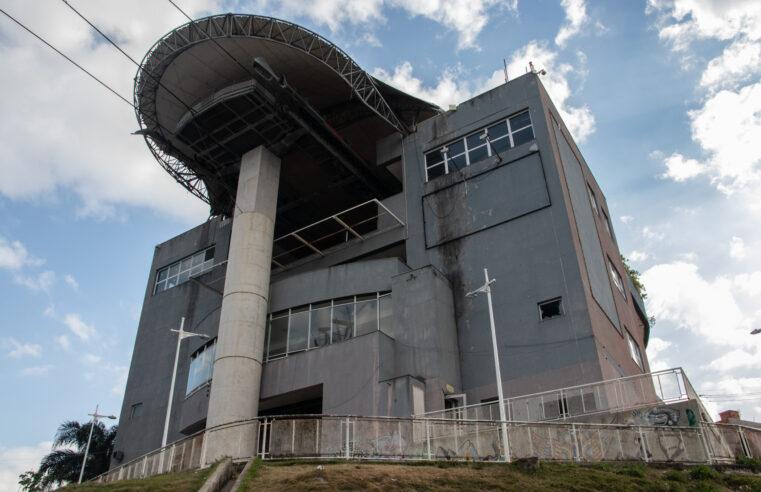 Governo do estado lança projeto Pacto RJ que irá recuperar o teleférico do Alemão
