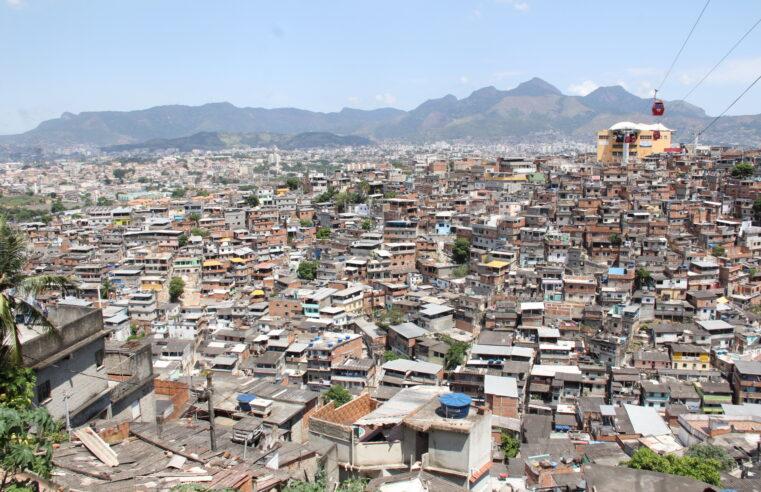 Veja quantos casos ativos de Covid-19 há em 27 favelas do Rio; Número chega a quase 700