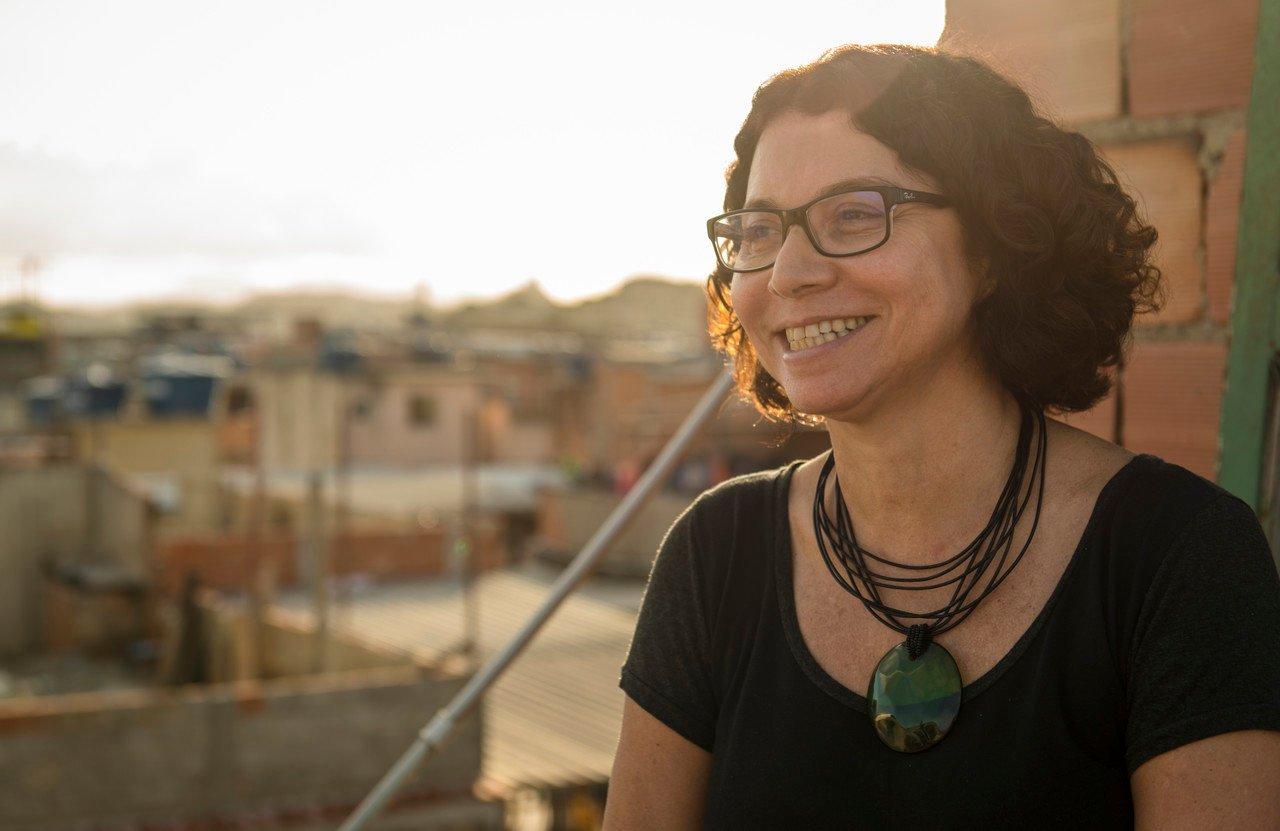 Diretora e fundadora do Redes da Maré receberá Medalha Tiradentes