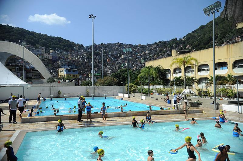 Complexo Esportivo da Rocinha abre inscrições para natação infantil e  hidroginástica
