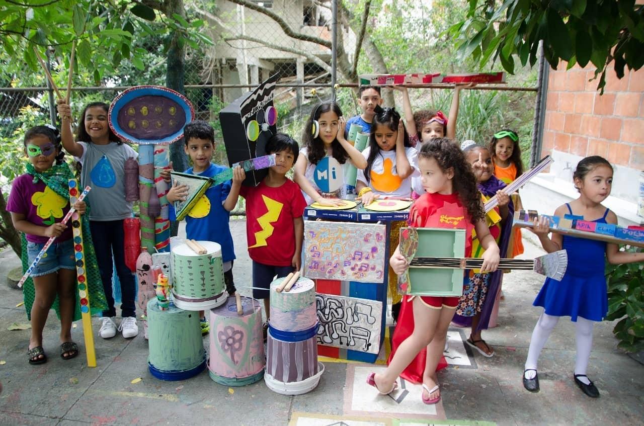 Através da arte e alfabetização, Escola Vidigal atende mais de 60 crianças