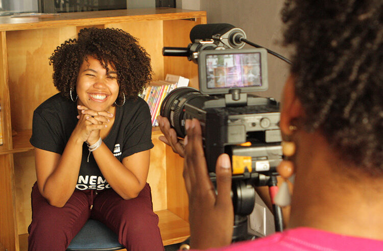 Cinema Nosso lança curso online de Comunicação e Cultura Digital para jovens periféricos