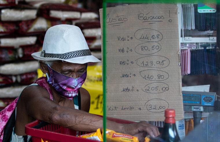 Favelados e periféricos são os que mais sofrem com comida cada vez mais cara