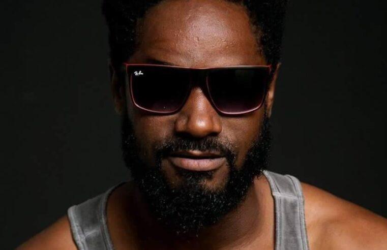 Cria do Morro do Urubu, gari-cantor é a mais nova aposta do 'trap-funk' carioca